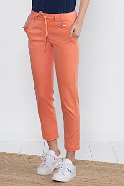 Pantalón tobillero color salmón de mujer