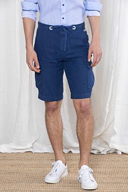 bermudas azul marino de hombre con bolsillos cargo