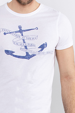 new men´s white soft and light t-shirt with an ESCALES anchor print