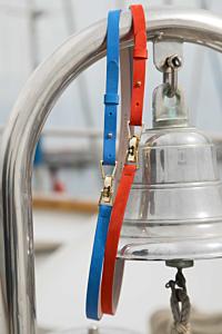 ceinture cannes bleue en cuir effet velours et ceinture cannes orange regate en cuir effet velours