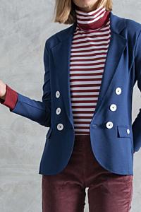 Buttoned blue blazer