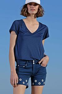 woman t-shirt uk